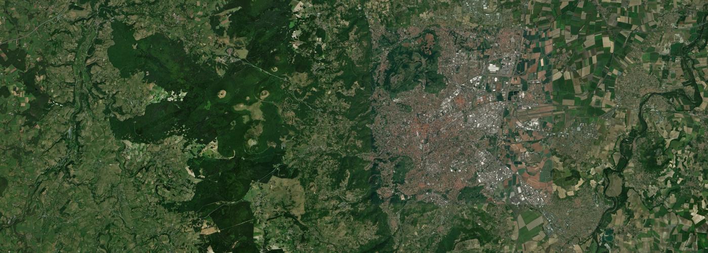 image satellite chaine des puys et clermont